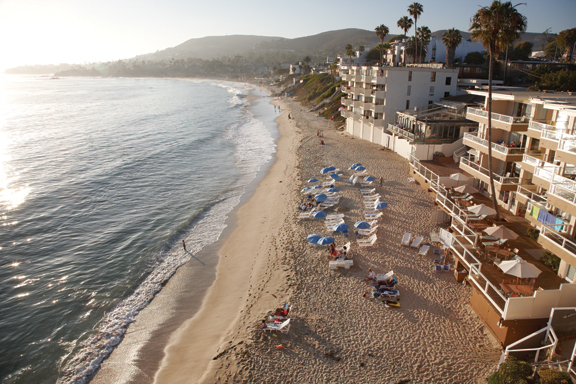 With rooms overlooking the crashing surf, this Laguna Beach establishment ...